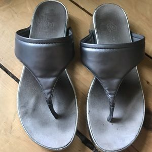Easy Spirit Seaggy Metallic Wedge Sandals Sz 9.5
